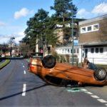 POL-DN: Pkw überschlägt sich auf Kreuzung