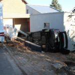 POL-DN: Mit geparktem Fahrzeug zusammengestoßen